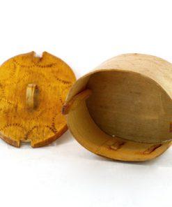 Svepask – liten allmoge och slöjdarbete i björk insida