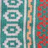 Väggtextil - väggbonad av ullgarn i klara starka färger detalj
