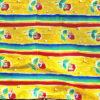 Retrotyg – Regnbågsfärger med tulpaner tryckt bomullstyg helhet