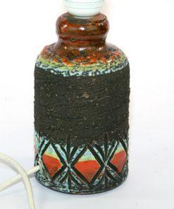 Keramiklampa Tilgmans Sweden lergods med romb-monster helhet