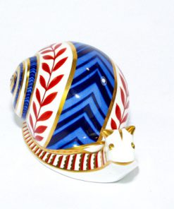 Snigel – Papperspress Royal Crown Derby Snail paperweight framifrån