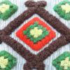 Rya-kudde med reliefmönster - Allmogekudde flossa detalj