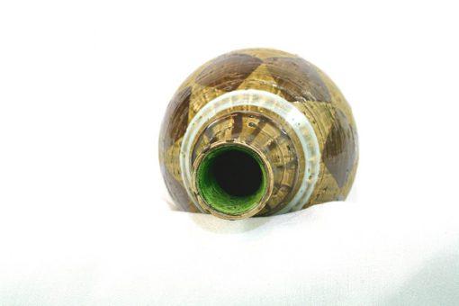 Keramikvas - Grön-glaserade romber och folie-etikett insida