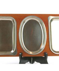 Teakbricka – Bricka med tre rosfria skålar display