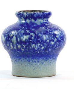 Strehla 1439 – Keramikvas fint melerad kobolt blå helhet