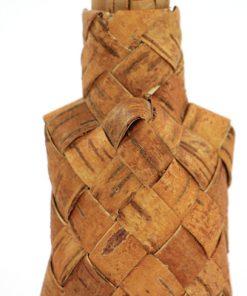 Naverplunta dosa, flaska med hatt av flatad bjorknaver detalj