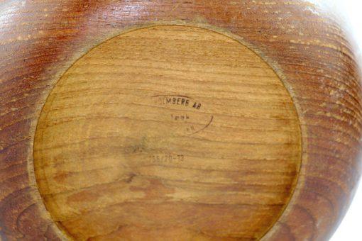 Teakskål – Träskål av teak från Karl Holmbergs i Gotene insida detalj signatur