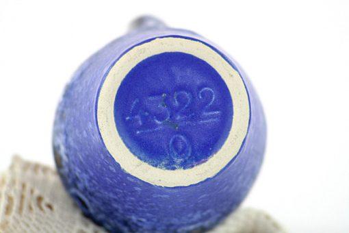 Steuler keramikvas - Koboltblå spracklig glasyr stampel