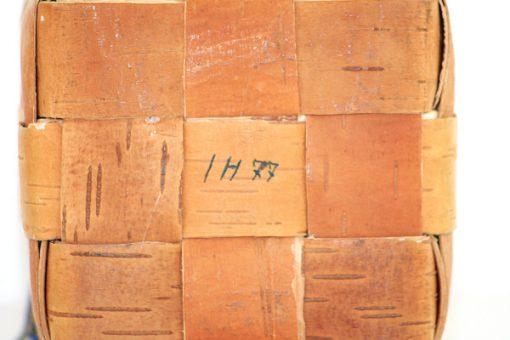 Naverkruka - naverkub av flatad bjorknaver IH77 detalj signatur