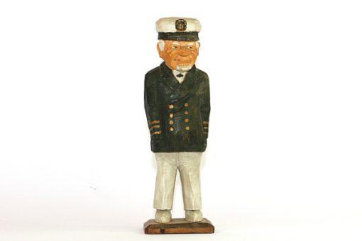 RB Tragubbe – Sjokapten traskulptur snidad sailor helhet