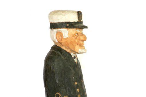 RB Tragubbe – Sjokapten traskulptur snidad sailor profil