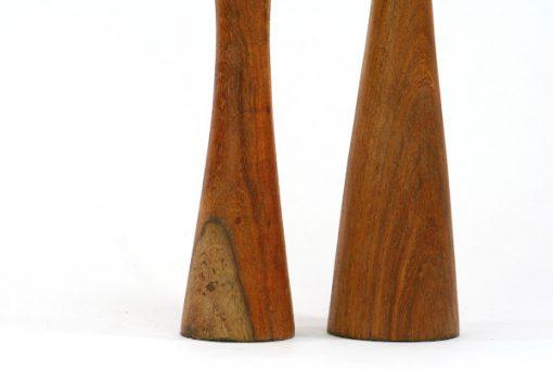 Teak tva ljusstakar troligen dansk formgivning 1960-tal detalj