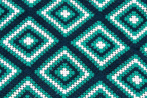 Mormorsfilt - Quilt ull virkade diagonal-rutor med tofsar detalj rutor