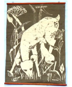 Retro bonad May Buhler – Betande radjur batik detalj helhet