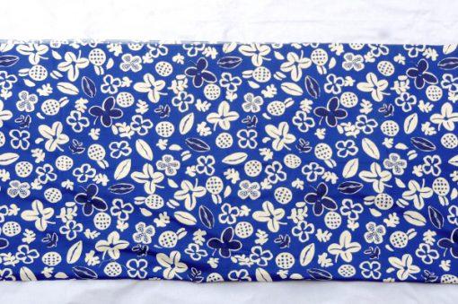 Retrotyg – Blatt med vita blommor och frukter bomull helhet baksida