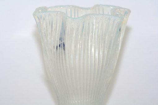 Bilden visar Gullaskruf Reffla Arthur Percy – vas handblåst glas överdel