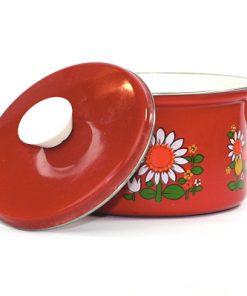 Bilden visar Röd emalj-kastrull med blommor 1970-tal färgglad lock på sidan