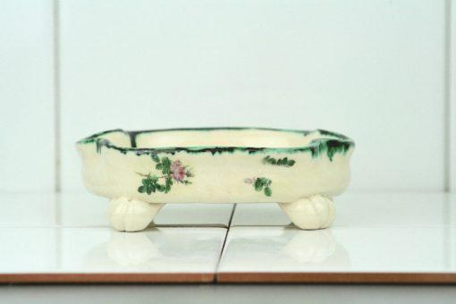 Bilden visar Tvålkopp keramik handgjord tvål – Bollnäs Birch liggande