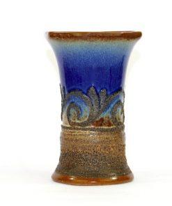 Bilden visar Strehla Keramik 1476 vas – Fat Lava GDR 1970s