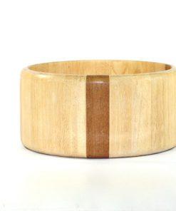 Bilden visar Arabia Design Salladskål - Stor träskål björk teak