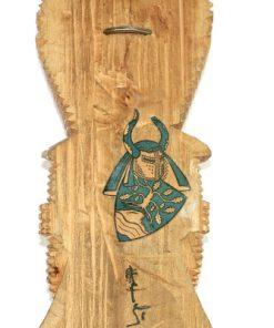 Bilden visar Carl-Axel Lunding träskulptur totem riddare 1950 detalj signatur