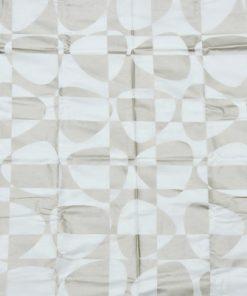 Bilden visar Textil 'Pix' guld vit design Björk Forth för Arvidssons Textil monster