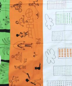 Bilden visar Tryckt bomullstyg – Olle Eksell 'Önskedröm' stad och barn mönster